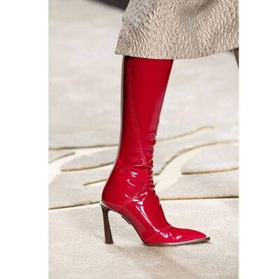Vinapobo женские сапоги до колена из лакированной кожи; зимние вечерние сапоги с острым носком на молнии для подиума; высокие сапоги на необычно
