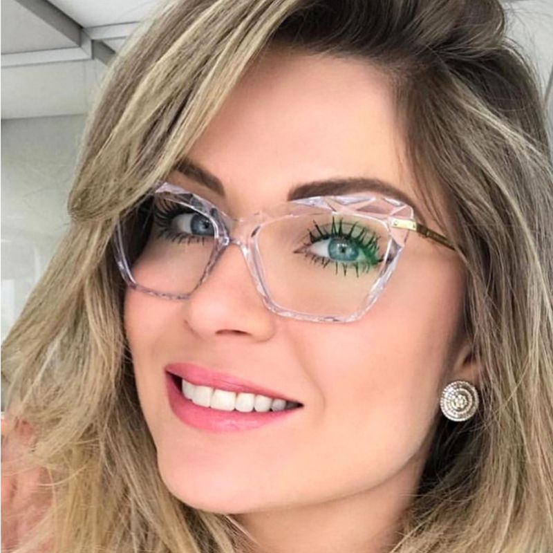 New Chic Butterfly Eyeglasses For Women Transparent Clear Glasses Ladies Optical Plastic Frame Fashion Gift