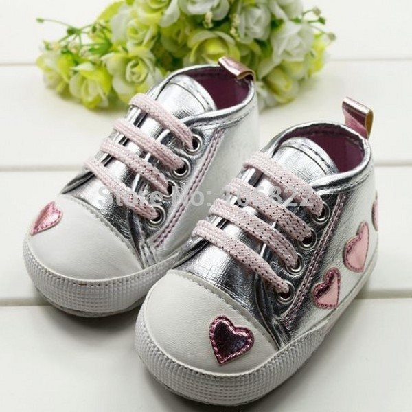 Baby Girl First Walker Silver Heart Soft Shoes Kids Girls Shinny Walking Sneaker 0-18 M