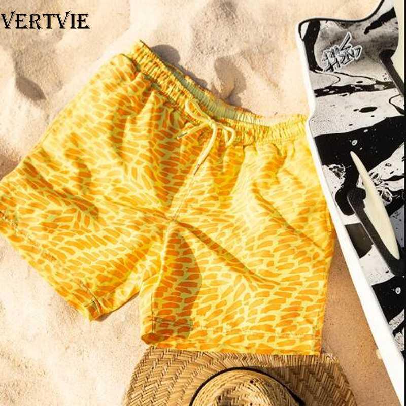 VERTVIE 2020 الرجال الصيف تلون سراويل للسباحة السحرية تغيير لون شورتات للبحر التعادل سريعة الجافة صبغ الاستحمام سراويل قصيرة