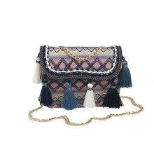 Женские дорожные сумки ручной соломы Weave тайский стиль женщины полоска лето пляж кроссбоди сумки сплетенный кисточкой шоппинг-сумки