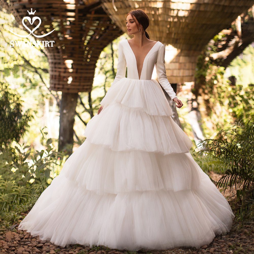 Boho Wedding Dress 2019 Swanskirt Deep V-neck Ball Gown Ruched Tulle Turkey Backless Customized Plus Size Vestido De Noiva I124
