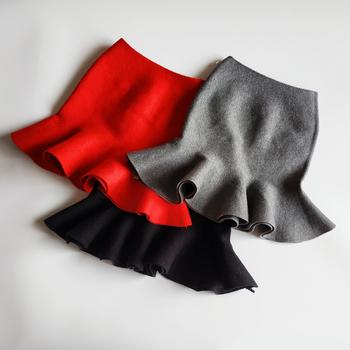Dziewczynka ubrania stałe Tutu dzieci spódnica z dzianiny dzieci szkoła dziewczyna spódnice czerwony szary i czarny moda zima dla 2-10 lat tanie i dobre opinie Na co dzień CN (pochodzenie) Pasuje prawda na wymiar weź swój normalny rozmiar COTTON Ruched WK38A- Knitted skirt Powyżej kolana Mini
