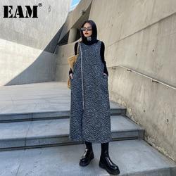 [EAM] Women Big Size Zebra Pattern Vent Dress New Round Neck Sleeveless Loose Fit Fashion Tide Spring Autumn 2021 1DD0807