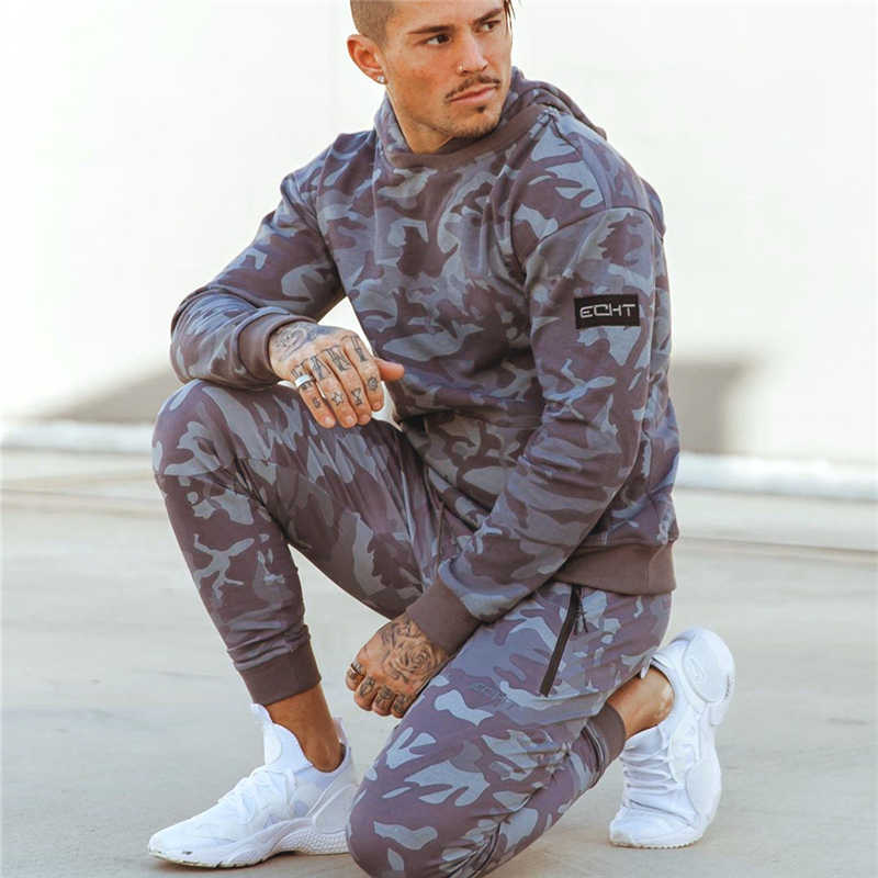NEUE sporting anzüge mens fashion trainingsanzug männer camouflage Hoodies + jogginghose männer Sportwear Anzug Hoodies Trainingsanzug Set Männlichen