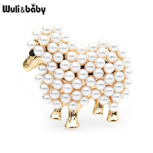 Wuli&baby Small Pearl Sheep Brooches Women White Black Animal Casual Party Brooch Pins Gifts