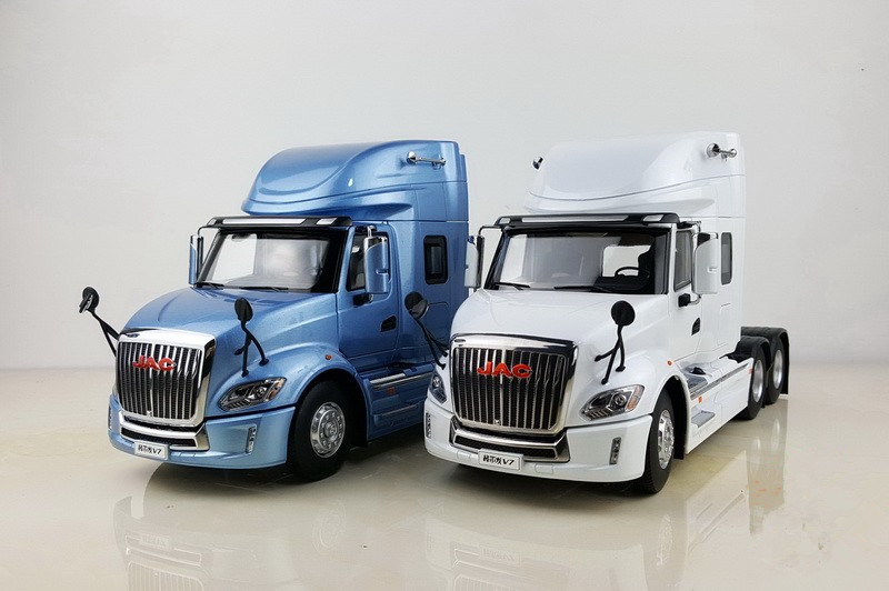 Collectible Alloy Model Gift 1:24 Scale JAC GALLOP V7 American Long Truck Tractor Trailer Vehicles DieCast Toy Model Decoration
