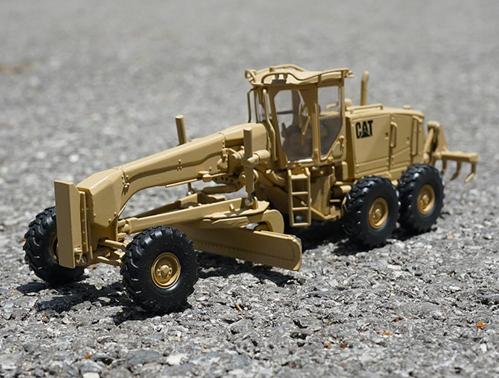 Norscot 1/50 Scale Caterpillar Cat Military 120M Motor Grader Diecast Model 55252