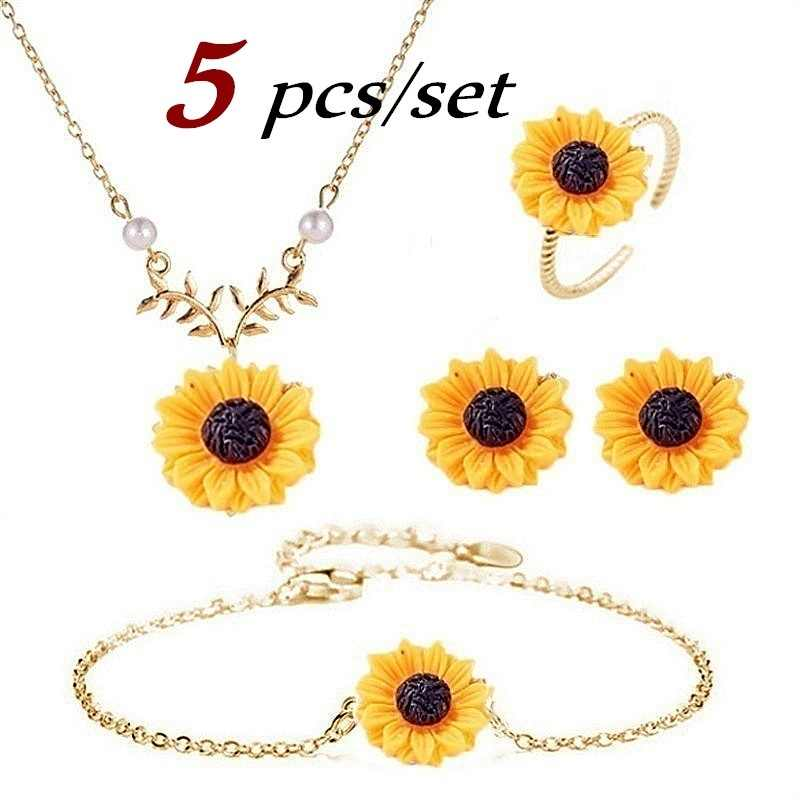 5PCS/Set Necklace Earring Bracelet Ring Set Women Fashion Jewelry Accessories Sunflower Jewelry Gifts Charm Pendant Necklaces