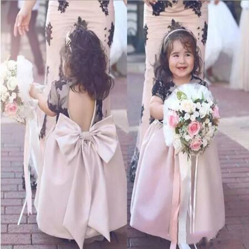 New Design Appliques Lace Row A-line   Flower     Girls     Dresses   Cute Sleeveless Scoop Neck Floor Length Communion Gown