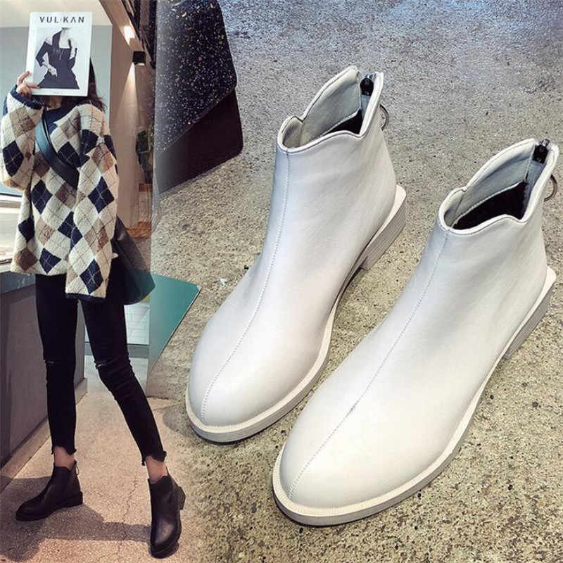 LZJ Yeni 2019 Kadın Çizmeler Toka Düz Bayan Botları Yuvarlak Ayak Çizmeler Rahat Fermuar PU lastik çizmeler Kadınlar Için bota feminina