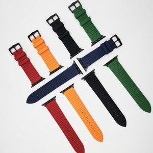 Image 2 - Correa de silicona para Apple Watch, pulsera de silicona para Apple Watch 6 5 4 42mm 44mm 38mm 40mm serie iWatch 6 5 4 3 2 1