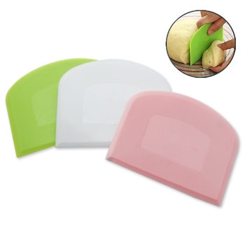 1PCs Plastic Dough Scraper Cream Smooth Cake Spatula Baking Pastry Tools Kitchen Butter Knife Dough Cutter Baking Pastry Tools image