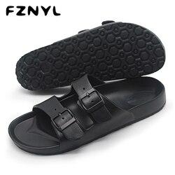 Fznyl homens sandálias de verão praia andando respirável sapatos macios fivela cinta design masculino casual flip flops clássico preto sandalias