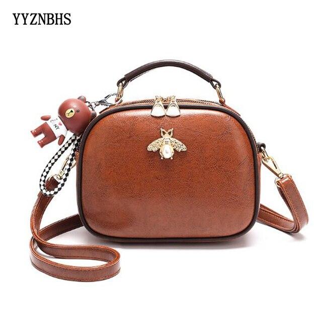 Luksusowy projektant kobiet torby Crossbody torba na ramię moda wisiorek z misiem, pszczoła ozdoba skórzana torebka damska torebki Bolsa