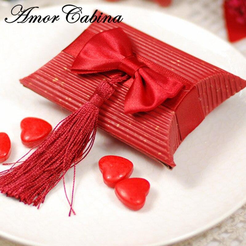 100 pièces Beige et rouge papier oreiller cadeau fête d'anniversaire noël boîte de mariage cadeau sac gland bonbons boîte de mariage arc et gland