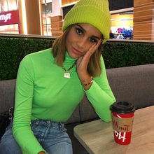 Primavera e outono rua moda feminina nova moda europeia gola alta manga longa magro fluorescente camiseta