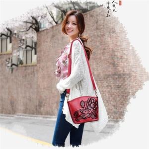 Image 2 - 3D Rose Flower Small Bags For Women 2018 Luxury Handbags Women Bags Designer Women Messenger Shoulder Bag Sheel Sac A Main Femme