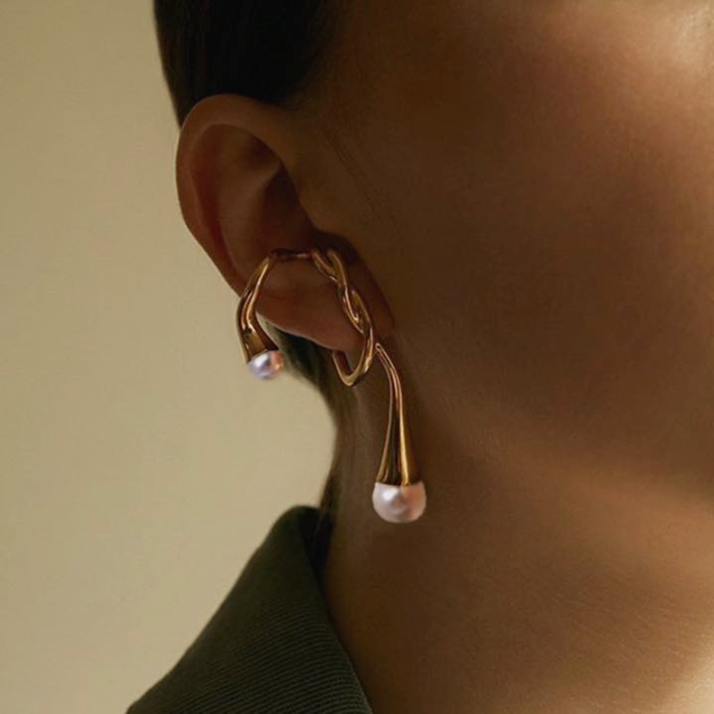 Timeless Wonder Brass Irregular Geo Pearl Ear Cuff Earrings Women Jewelry Punk Clip Top Non Pierced Gothic No Hole Rare Ins 3323