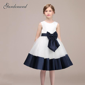 Vintage White Navy Blue Decent Flower Girl Dress 2019 Front Bow Knot Sash Bottom Blue Trim Princess Wedding Communion Gown knot front striped dress