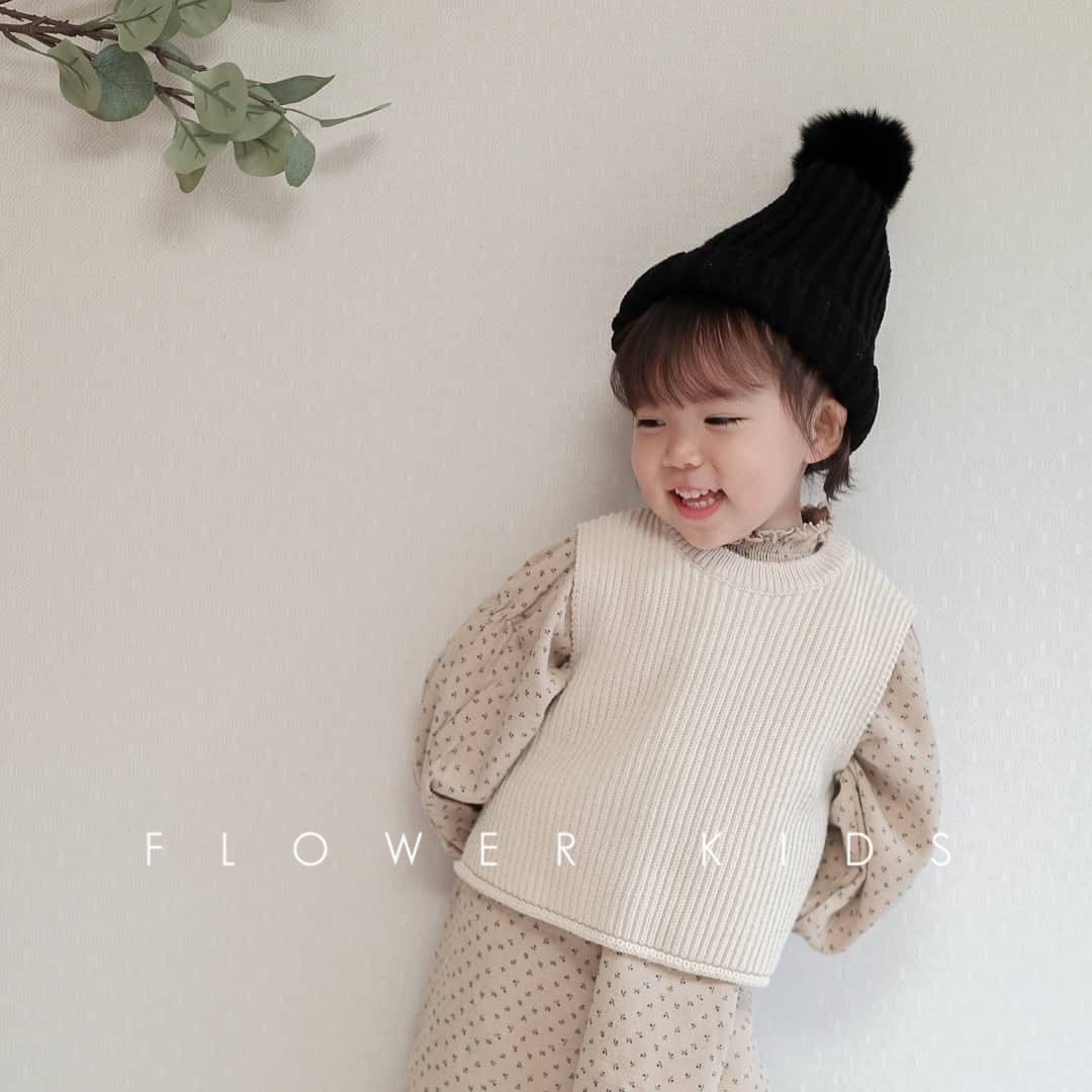 Children's Vest Sweater Warm Soft 2021 Spring New Kid Tops Knitted Solid Outfits Boys Girls Outwears Sleeveless O-neck Pullover 4