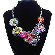 The new ms flower shape alloy necklace set auger color resin lady dress wholesale sweater necklaces fashionable retro elegant necklace delicate necklace alloy necklace necklaces wholesale brand the boat
