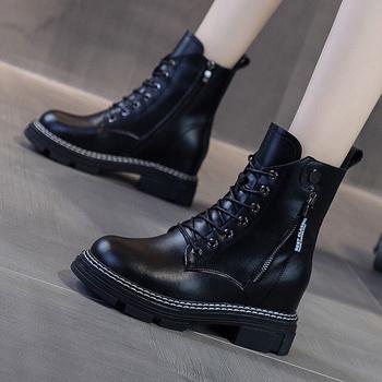 Buty damskie moda wysokie buty Martin krótkie 2021 nowe Zapatillas Mujer Femme tanie i dobre opinie yunyiwa Klinowe buty na deszczową pogodę CN (pochodzenie) Zima Do kolan Brytyjski styl Mieszane kolory Stałe british