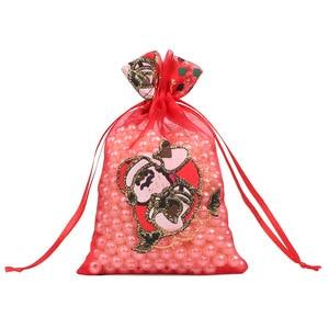 Image 5 - 100 adet 10X15 13X18cm Renkli kırmızı beyaz Noel organze çanta Gazlı Bez Eleman takı çantaları Ambalaj drawable Organze hediye keseleri 55