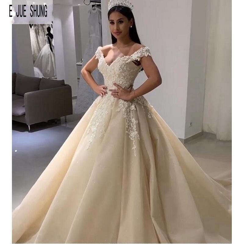 E JUE SHUNG Vintage Princess Wedding Dresses Off Shoulder V Neck Appliques Light Champagne Bride Dresses Lace Up Wedding Gowns