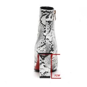 Image 3 - ZETMTC 인쇄 뱀 Pu 여성 발목 부츠 우편 지적 발가락 신발 두꺼운 하이힐 여성 부팅 신발 여성 2019 snakeskin Bootie