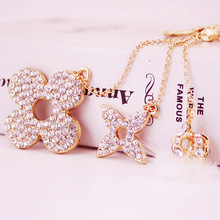 Creative Crystal Clover Keychain Fashion Personality Crown Plush Car Ladies Bags Charm Metal Jewelry Gifts