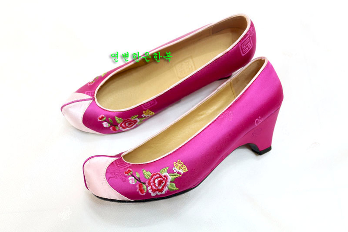 South Korea Imported Traditional Hanbok Hook Shoes / Rose Pink Hanbok Embroidered Shoes /