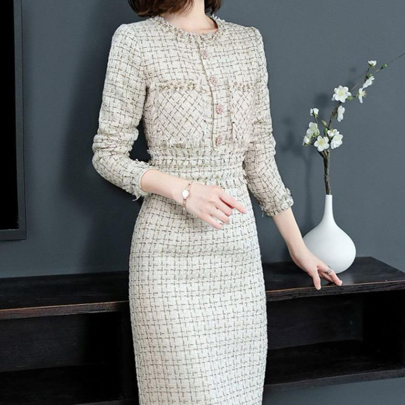 Designer 2020 European Women Luxury Manual Beads Round Collar Long Sleeve Knitted Tweed Slim Pencil Party White Dress Elegant