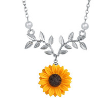 New Leaves Sunflower Pendant Necklace For Women Creative Imitation Pearl Jewelry Clothes Accessories Wedding