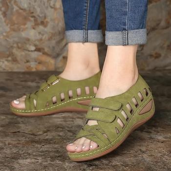 Letnie sandały damskie Gladiator panie drążą kliny klamra platforma obuwie damskie miękkie buty plażowe Zapatos De Mujer tanie i dobre opinie VRLVCY CN (pochodzenie) podstawowe Płaskie z NONE Otwarta Niska (1 cm-3 cm) Na co dzień Hook loop Dobrze pasuje do rozmiaru wybierz swój normalny rozmiar