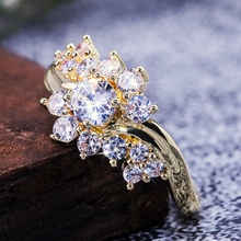 Huitan Romantic Korean Flower Ring Elegant Gold Shaped Engagement Anniversary Gift For Girlfriend With Size 6-10