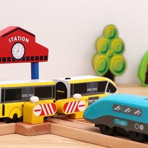 Image 5 - Детский набор игрушечного электрического поезда, магнитный игрушечный поезд с литыми отверстиями, деревянная железная дорога Bri o, трек для поезда, игрушки для детей, подарки
