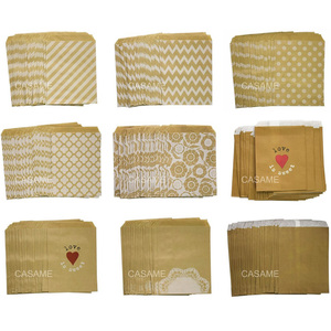 Image 1 - 50 개/몫 취급 캔디 가방 고품질 파티 호의 종이 가방 셰브론 폴카 도트 스트라이프 인쇄 된 종이 공예 가방 베이커리 가방