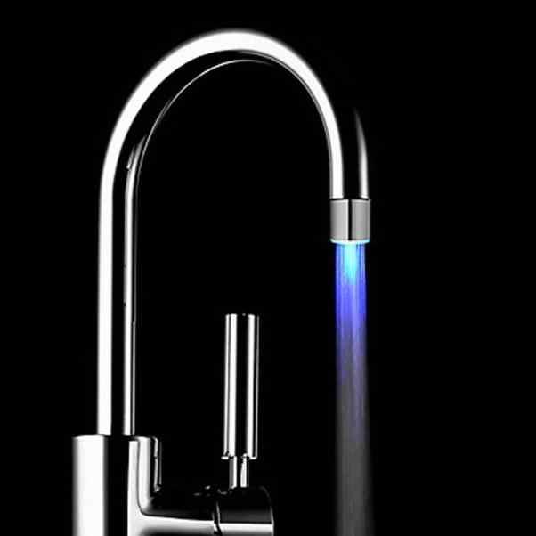Romantis 7 Perubahan Warna Lampu LED Shower Kepala Air Bath Rumah Kamar Mandi Cahaya Air Pipa Besi Hitam Lukisan Niat Liontin