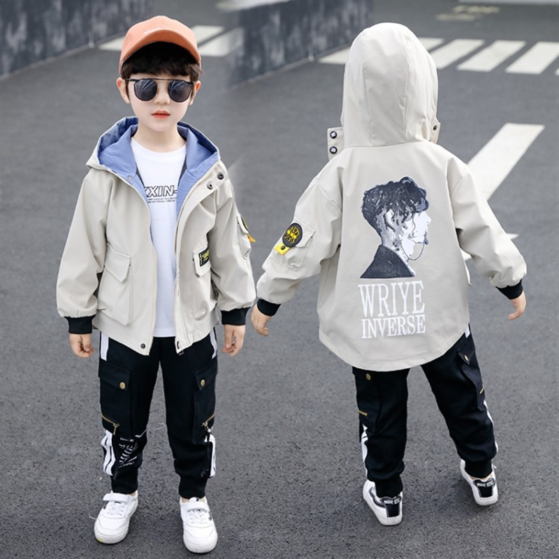 Куртка на флисовой подкладке для мальчиков осень и зима детская