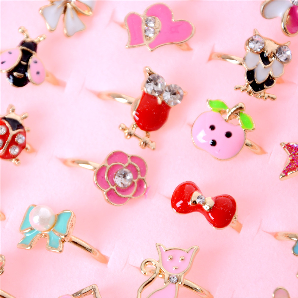 2Pcs Children Kids Fashion Sweet Cartoon Cats Bowknot Flower Moon Star Heart Dog Rabbit Crystal Rings Diy Craft Toys