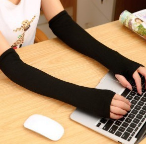 Winter Style Pair Keep Warm Arm Sleeve Sweet Vogue Modelling  Fingerless Gloves/wrist/arm/package  Free Shipping AW6241