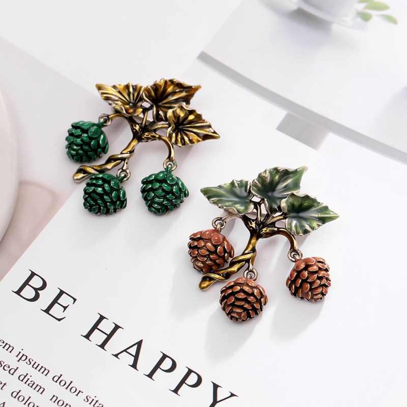 Rhao Coklat Enamel Kacang Pinus Bros Berlian Imitasi Tanaman Hazelnut Bros Pin Unisex Korsase Perhiasan Pin Wanita Kerah Syal Bros