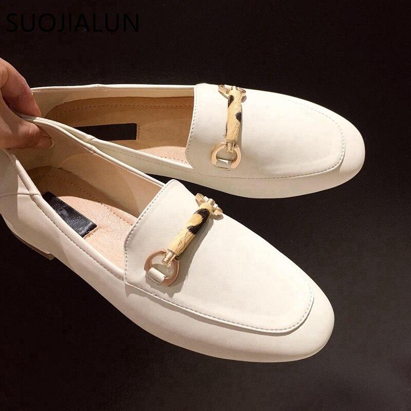 SUOJIALUN 2019 Outono Nova Casual Ao Ar Livre Mulheres Flat Shoes Deslizamento Em Loafers Alta Qualidade Mulheres Moda Fivela Sapatos Baixos Britânicos
