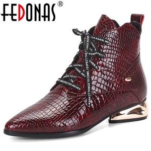 FEDONAS/новые женские ботильоны из натуральной кожи с принтом животных; Брендовая обувь на необычном каблуке для офиса и вечеринок; женские зим...