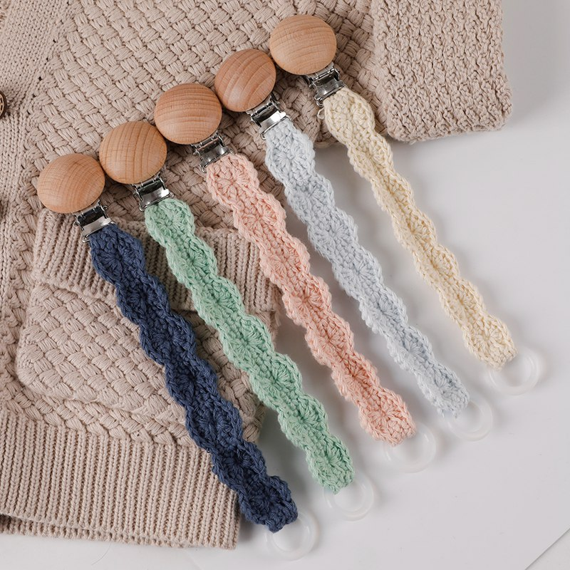 Wholesale Baby Pacifier Clips Wooden Infant Kids Cotton Crochet Pacifier Chain Newborn Teething Soother Chew Dummy Chain Handmad