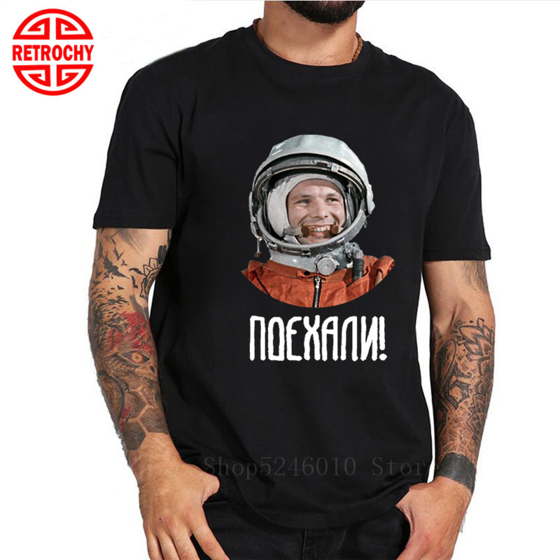 Russia Astronaut Yuri Gagarin Men Tshirt CCCP Spaceman Retro Hero T-Shirt For Men Custom Shirts Top Quality Cotton Cyrillic Tees