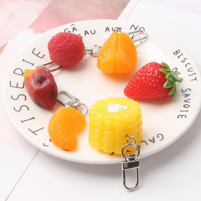 2019 Simulation Baked Sweet Potato Key Chain Creative Lovely Strawberry Yang Mei Corn Keychains Women Car Bag Pendant Keyring