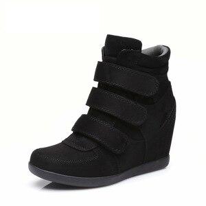 Image 1 - Женские ботинки в стиле ретро, демисезонные повседневные ботинки с высоким берцем, Корейская версия, 2019