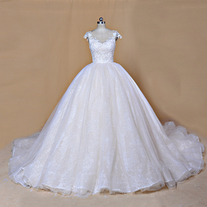 Image 2 - 2020 Nieuwe Luxe Desgin Trouwjurken Korte Mouwen Bruid Dress Custom Made Dubai Trouwjurk Fabriek Direct Baljurk